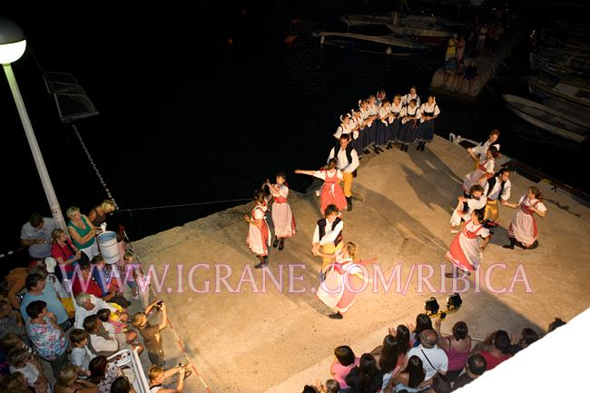 event King Arthur night - traditional dance