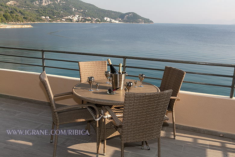 Apartments Ribica, Igrane - balcony with sea view